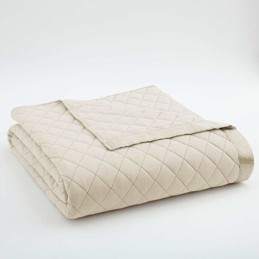 King Ivory Quilted Blanket