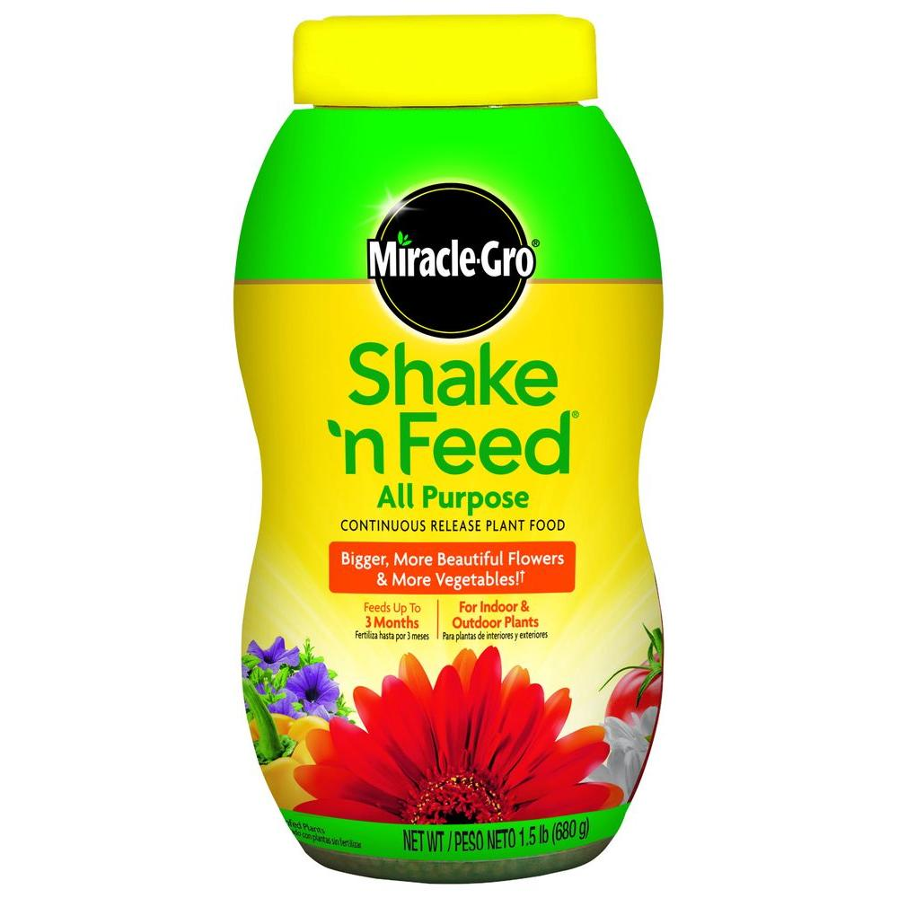 Miracle-Gro Shake N Feed 1.5 lb. All Purpose Plant Food-110571 -