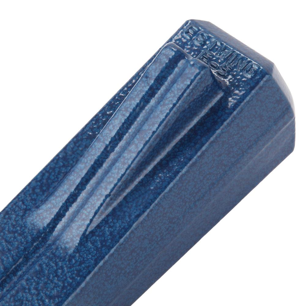 Split wedge featuring a fin detail on the end