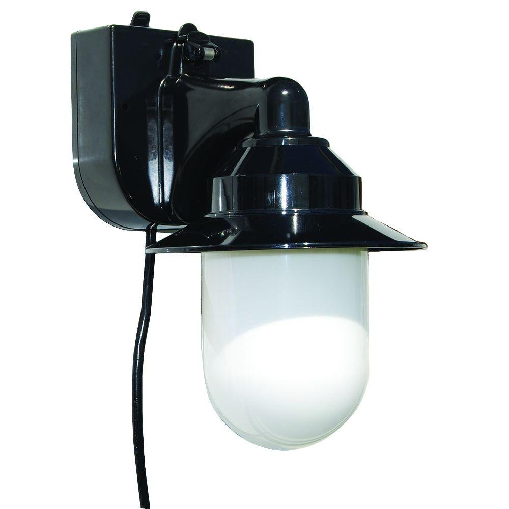 Polymer Products Black Outdoor Portable Black Wall Lantern with Suction Cup