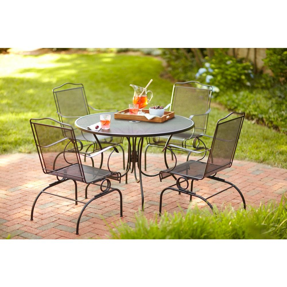Arlington house tables jackson 44 in round patio dining for 44 inch round dining table