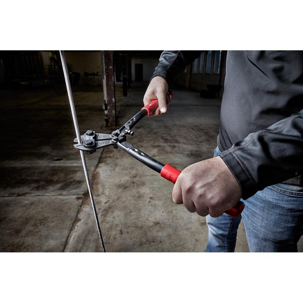 Bolt cutters featuring comfort-grip handles