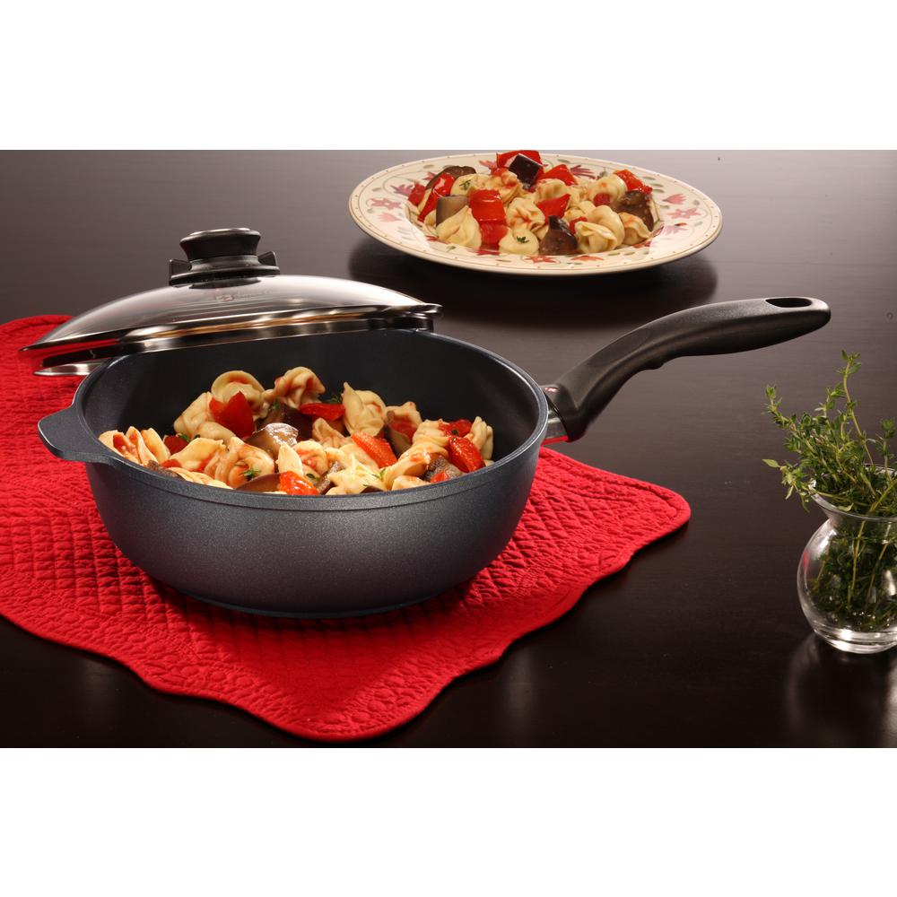Classic Series 3.2 qt. Nonstick Saute Pan with Lid