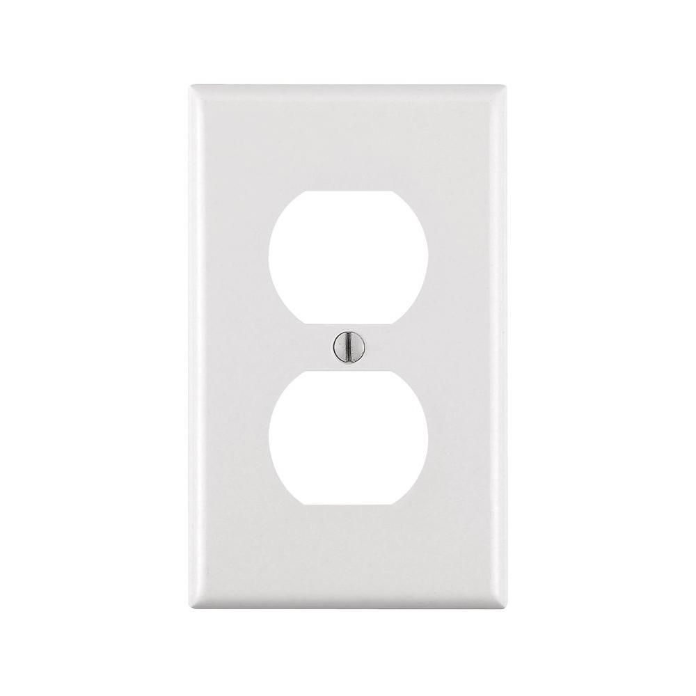 Leviton 1-Gang Duplex Outlet Wall Plate, White