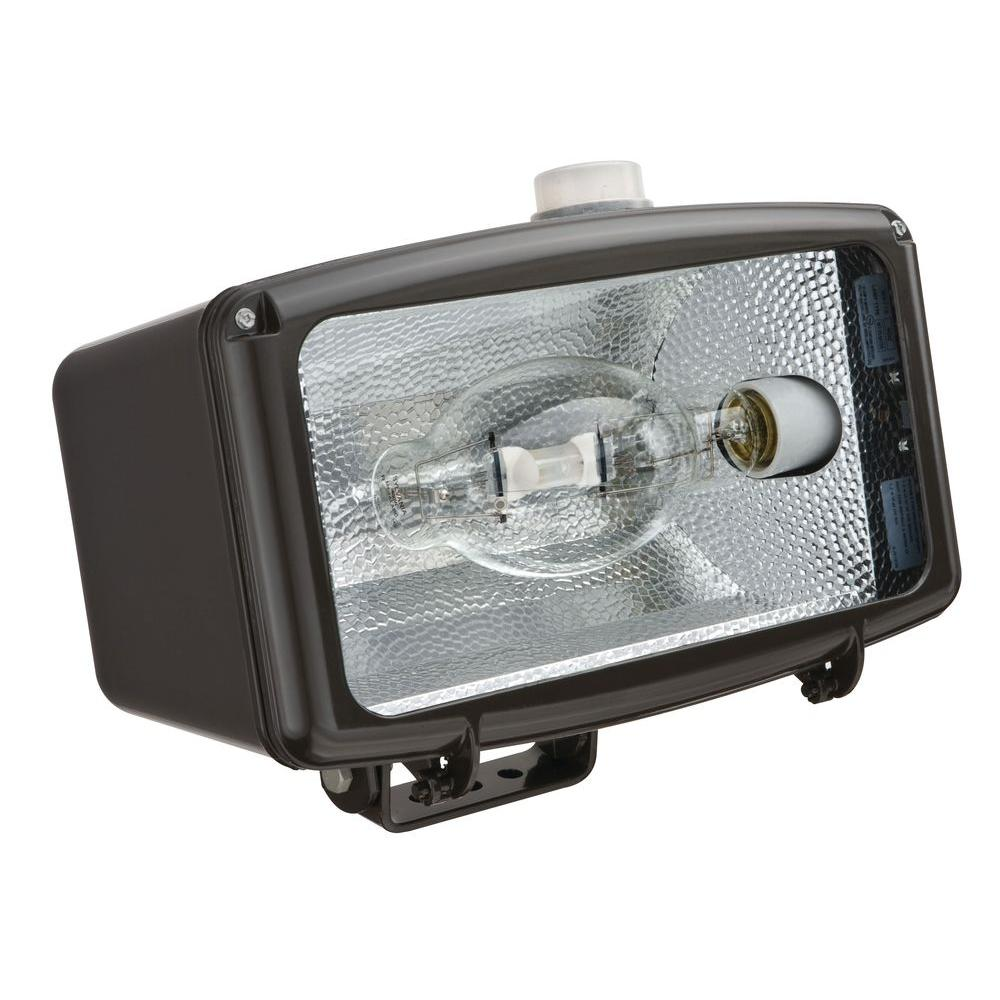 1-Light Horizontal Metal Halide Distribution Pulse Start Ballast Outdoor Dark