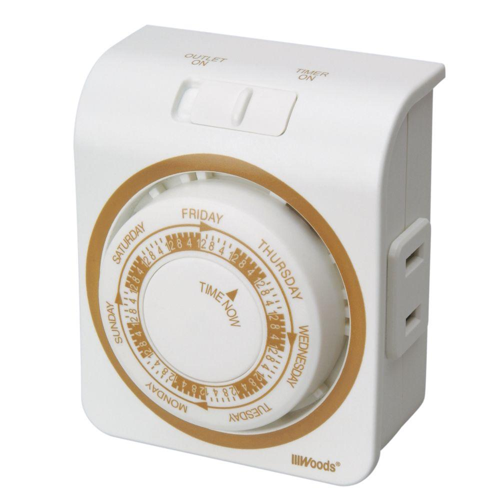 Woods Indoor Mechanical Vacation Timer with Random Security Setting 2-Conductor - White