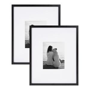 Maximum photo size accommodated (in.): 16x20