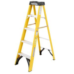 Werner 5-Feet Fiberglass Step Ladder with 225 lb. Load Capacity