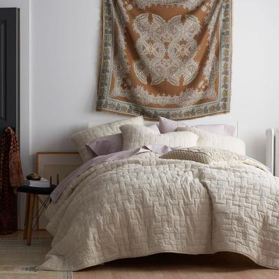 Studio Solid Cotton Quilt
