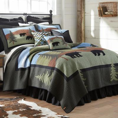Donna Sharp Bear Lake Collection Graphic 140-Thread Count Cotton Quilt