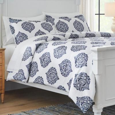 Lenora 3-Piece Blue and White Medallion Comforter Set