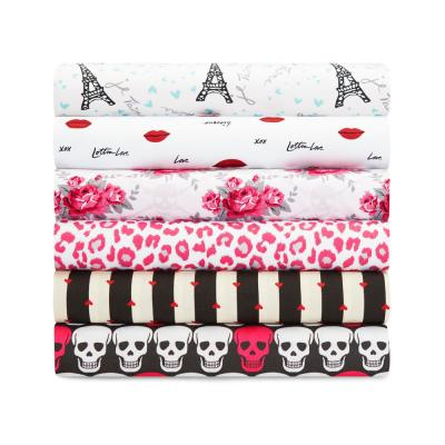 Skulls Graphic Microfiber Sheet Set