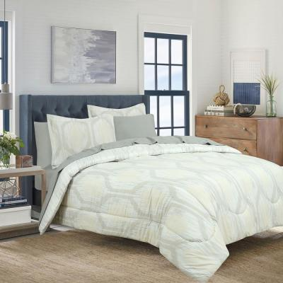 Hexagon Strie Bed in a Bag with Strie Stripe Reverse Comforter