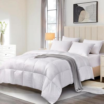 330 Thread Count Light Warmth Down Fiber and Feather Fiber Comforter