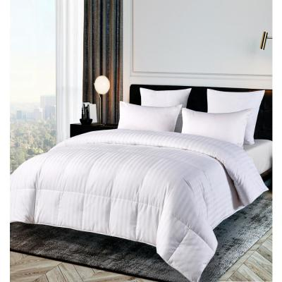 500 Thread Count White Damask Down Alternative Comforter