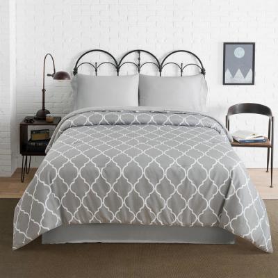 Quatrefoil Grey Geometric Polyester Microfiber Comforter