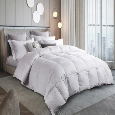 300 Thread Count Year Round Warmth White Down Comforter