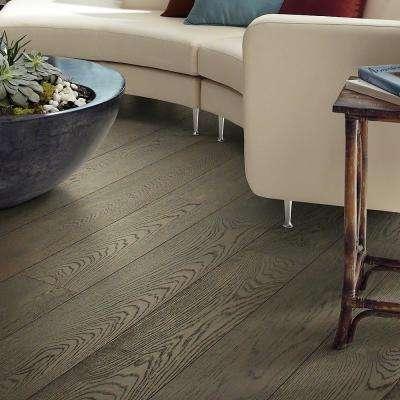 Richmond Oak Balmoral 9/16 in. Thick x 7-1/2 in. Wide x Random Length Engineered Hardwood Flooring (31.09 sq. ft. /case)