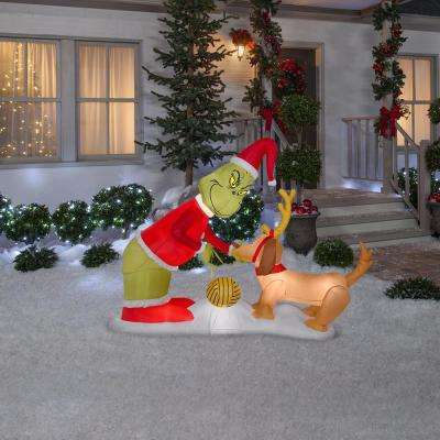 Holiday 5.12 ft. H x 6.5 ft. W Inflatable Airblown Grinch and Max Scene