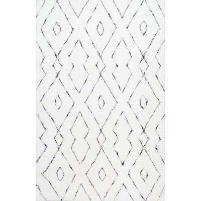 Beaulah Shaggy White 7 ft. 6 in. x 9 ft. 6 in. Area Rug