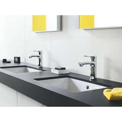Metris Single Hole 1-Handle Low-Arc Bathroom Faucet in Chrome