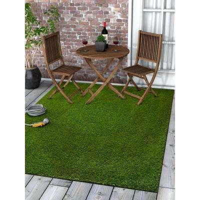 Arcadia 3 ft. 11 in. x 5 ft. 3 in. Artificial Grass Indoor/Outdoor Green Turf