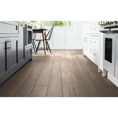 Hayes River Oak 12mm Thick x 7-9/16 in. Wide x 50-5/8 in. Length Water Resistant Laminate Flooring (15.95 sq. ft./case)
