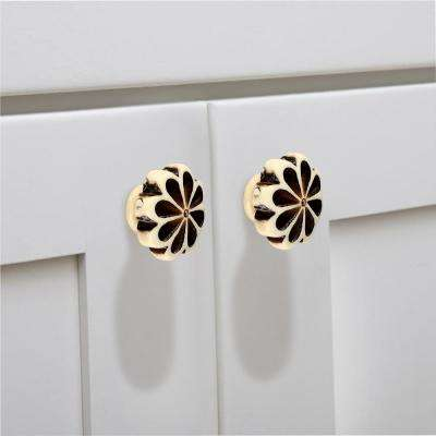 Crafted 1-1/3 in.(34 mm) Cream Cabinet Knob