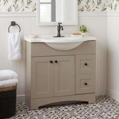 Warnick Single Hole Single-Handle Bathroom Faucet in Bronze