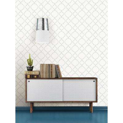 Desiree White Quatrefoil Wallpaper