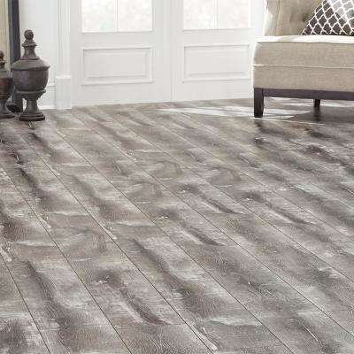 EIR Barton Oak 8 mm Thick x 7.64 in. Wide x 47.80 in. Length Laminate Flooring (30.42 sq. ft. / case)