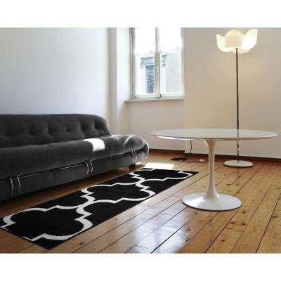 Large Quatrefoil Black/White 2 ft. x 5 ft. Runner Rug