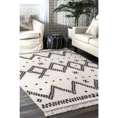 Tracy Moroccan Tassel Off White 8 ft. x 10 ft. Area Rug