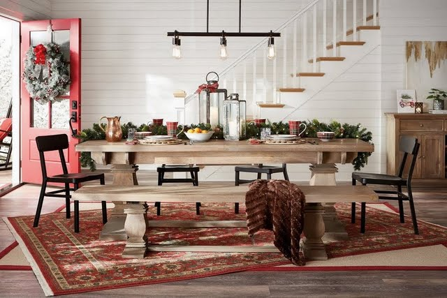 Holiday Farmhouse Dining Room