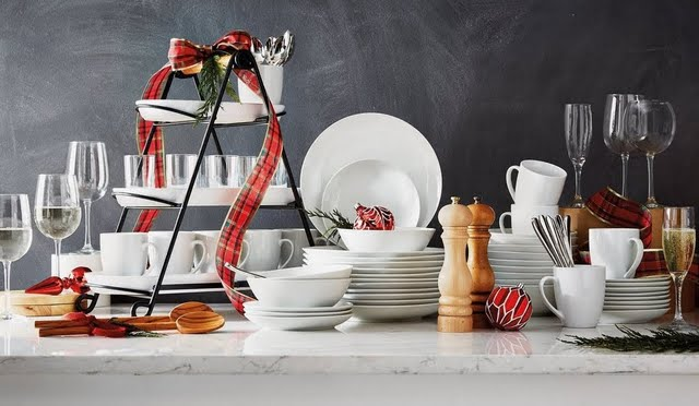 Holiday Essentials Dinnerware