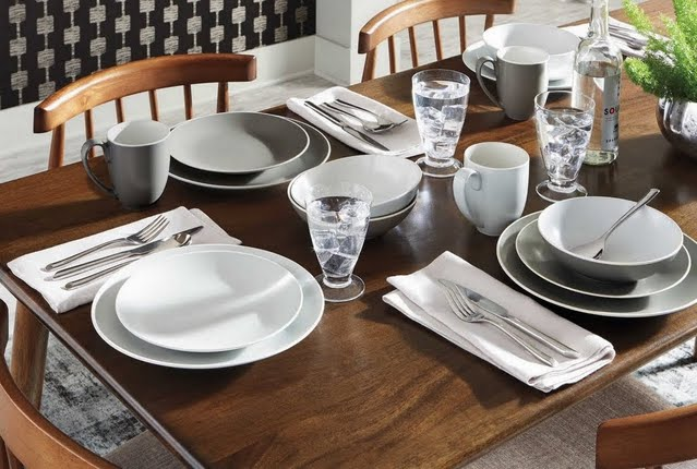 Modern Moment Dinnerware
