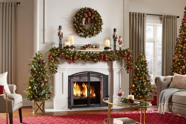 Merry Living Room