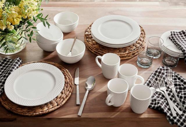 Casual Naturals Tableware