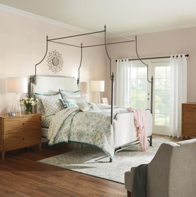Classic Glamour Bedroom