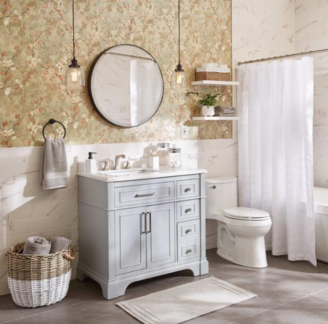 Petite Suite Bathroom