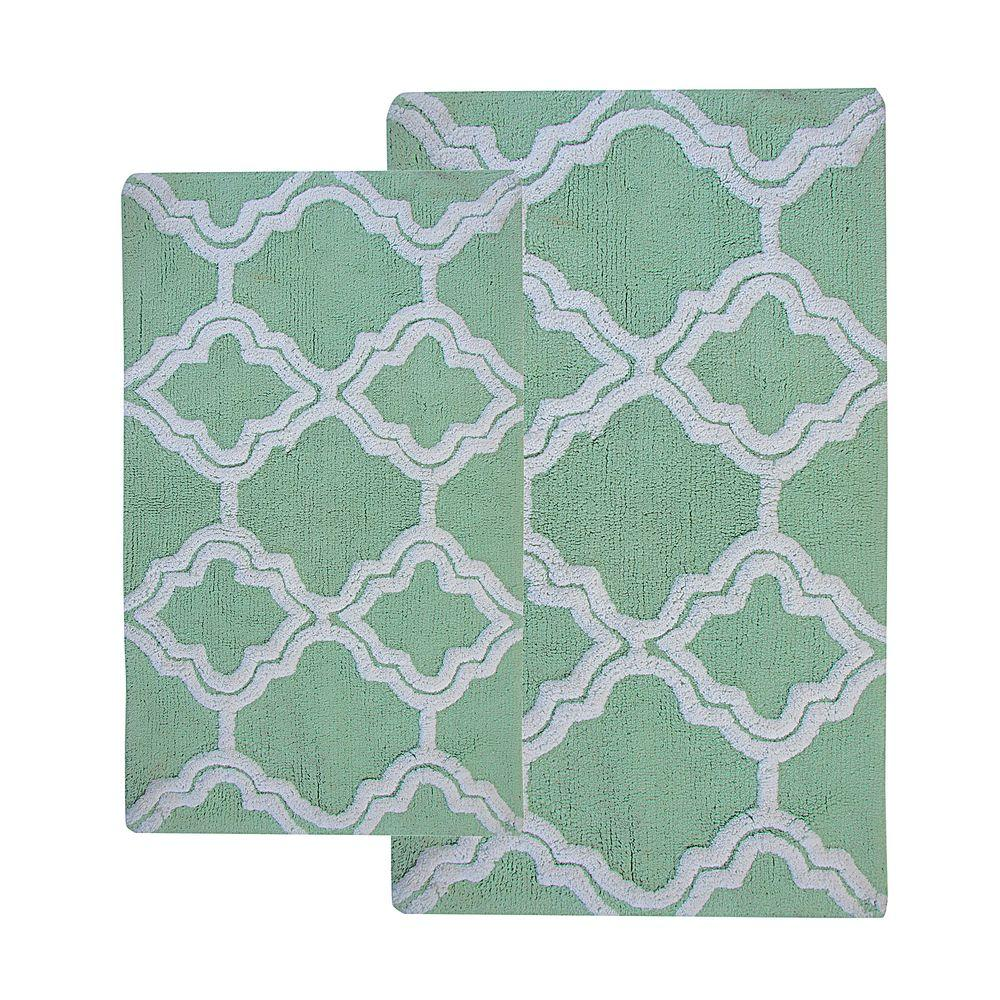Double Quatrefoil Subtle Green 2 ft. x 3 ft. 4 in.