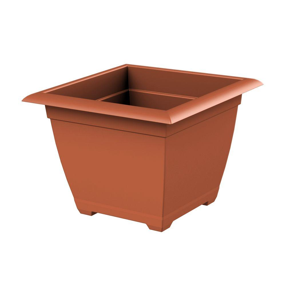 Dayton 14.75 in. Wide x 11.13 in. Tall Clay Plastic Planter