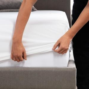 Hotel-Grade White 5-Sided Jersey King Mattress Protector