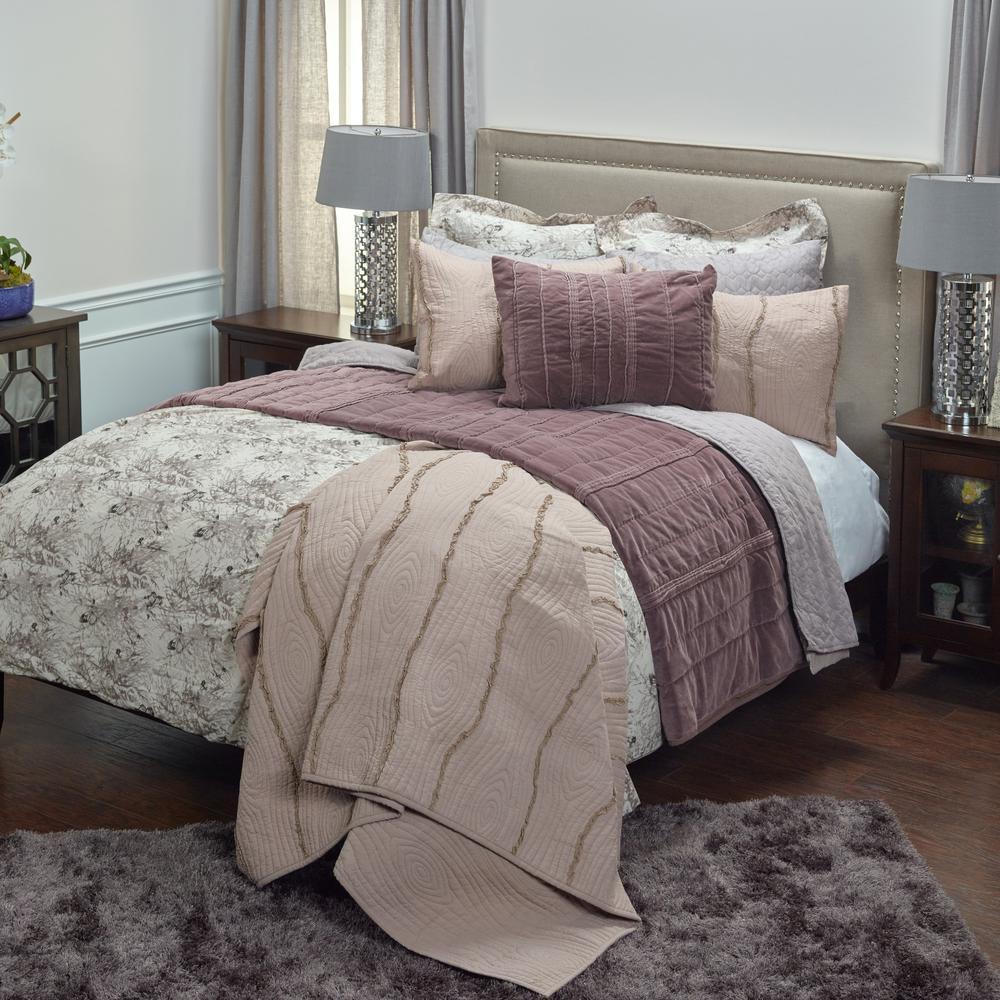 Vintage 3-Piece Ivory Floral King Comforter Set