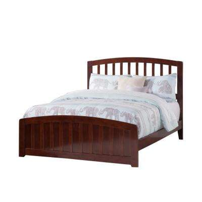 Richmond Full Traditional Bed with Matching Foot Board in Walnut