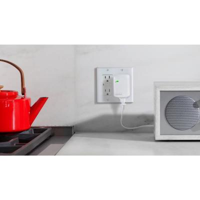 Smart Home Control Kit with Wink Hub, Leviton DZC Dimming Plug-in Lamp Module and Leviton DZC Plug-in Appliance Module