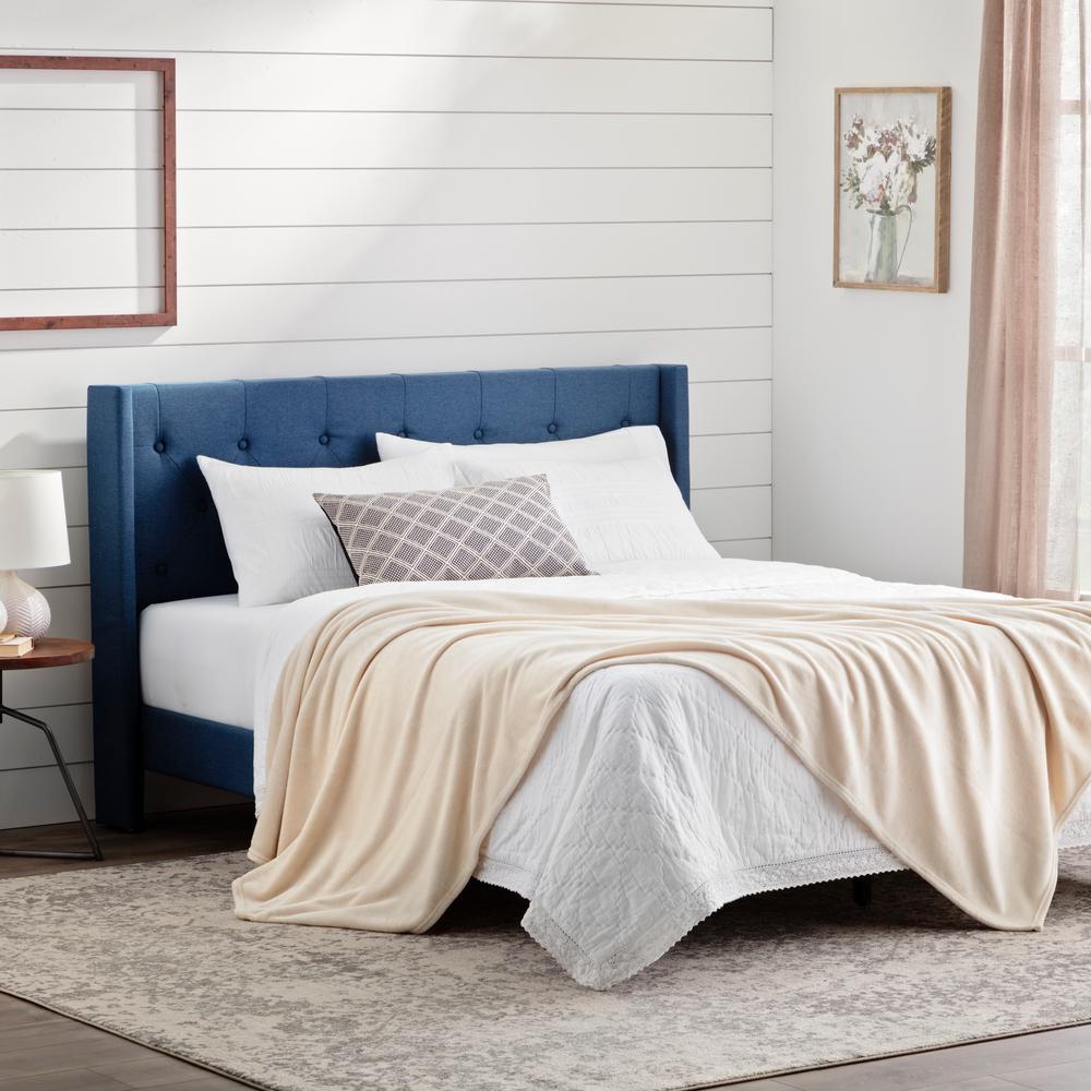 PolyesterIvory Fleece Queen Blanket