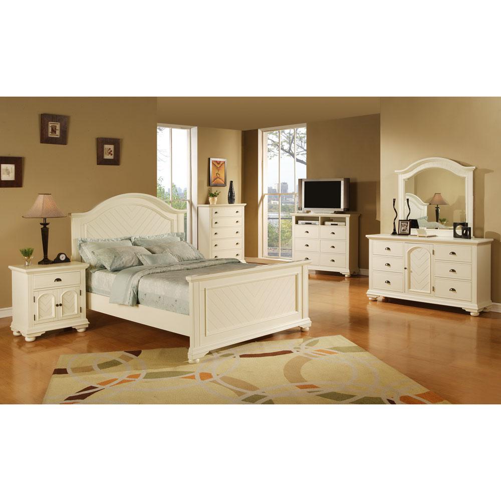Hyde Park 5-Piece White Queen Bedroom Suite with Bed, Dresser, Mirror, Chest, Nightstand