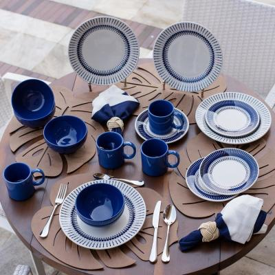 Actual Blue and Ivory 32-Piece Casual Blue and Ivory Earthenware Dinnerware Set (Service for 8)