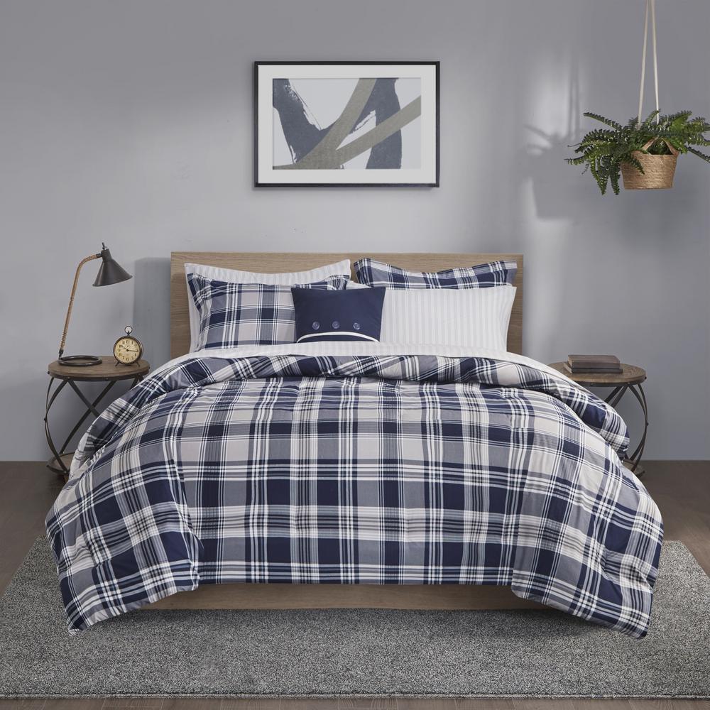 Paton 8-Piece Navy King Reversible Complete Bedding Set